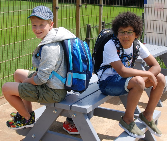 School backpack with ergonomic features